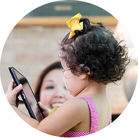 circle-child-with-phone